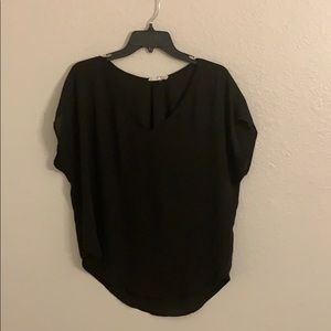 Lush black v neck short sleeve top, large